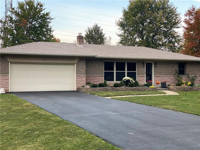330 David Lind Drive Indianapolis, IN 46217 | MLS 21681393 | photo 1