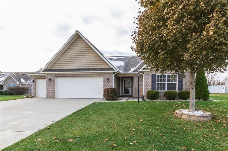 914 PENSTOCK Court Avon, IN 46123 | MLS 21681410 | photo 1
