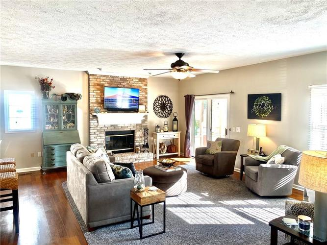 4814 Ashbrook Drive Noblesville, IN 46060 | MLS 21681503 | photo 2