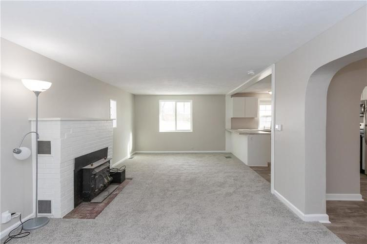 2401 S Silver Lane Drive Indianapolis, IN 46203 | MLS 21681514 | photo 10