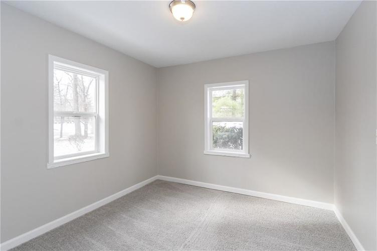 2401 S Silver Lane Drive Indianapolis, IN 46203 | MLS 21681514 | photo 16