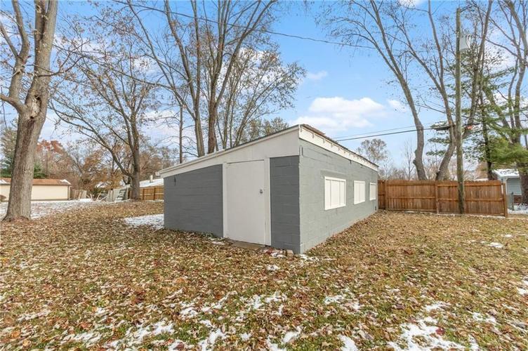 2401 S Silver Lane Drive Indianapolis, IN 46203 | MLS 21681514 | photo 24