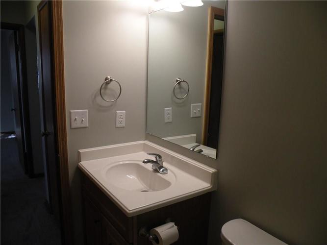 2727 Maywood Road Indianapolis, IN 46241 | MLS 21681586 | photo 8