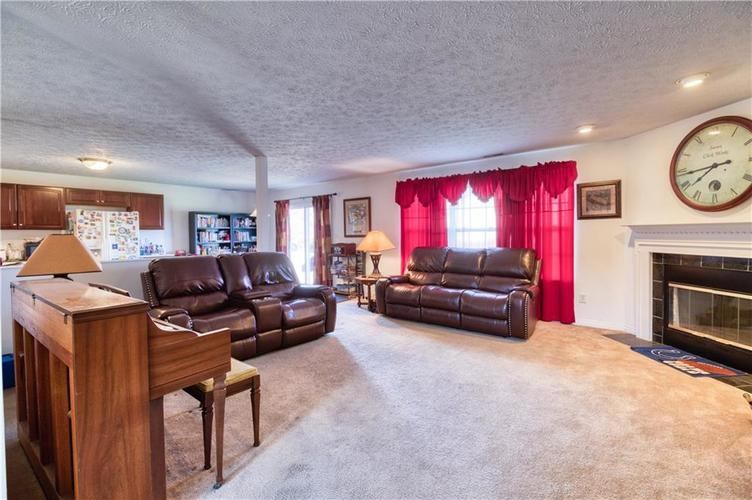 7967 Lawrence Woods Court Indianapolis, IN 46236 | MLS 21681696 | photo 11