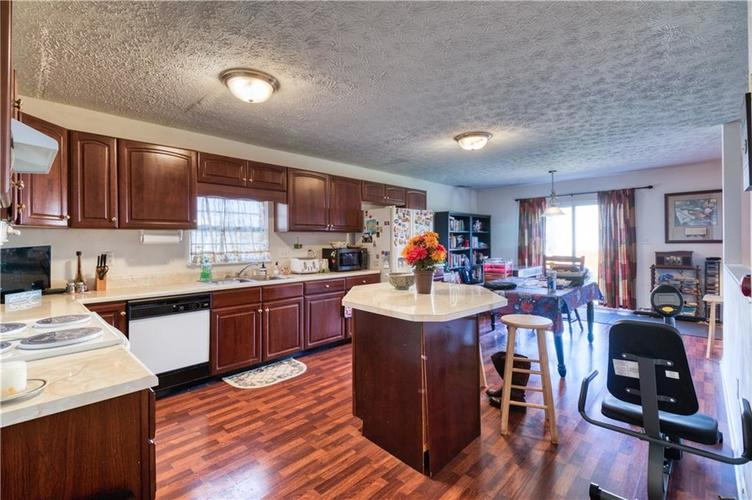 7967 Lawrence Woods Court Indianapolis, IN 46236 | MLS 21681696 | photo 17