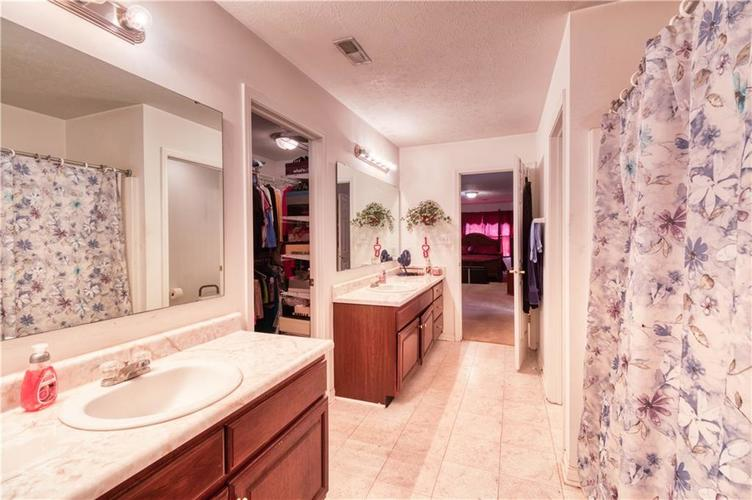 7967 Lawrence Woods Court Indianapolis, IN 46236 | MLS 21681696 | photo 25
