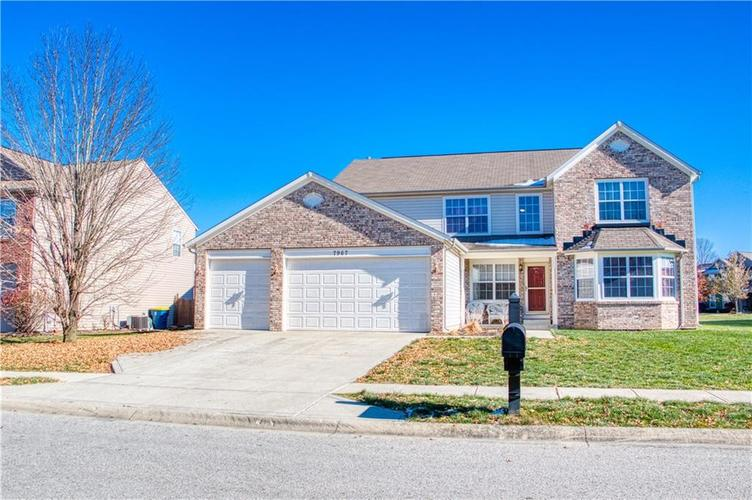 7967 Lawrence Woods Court Indianapolis, IN 46236 | MLS 21681696 | photo 3