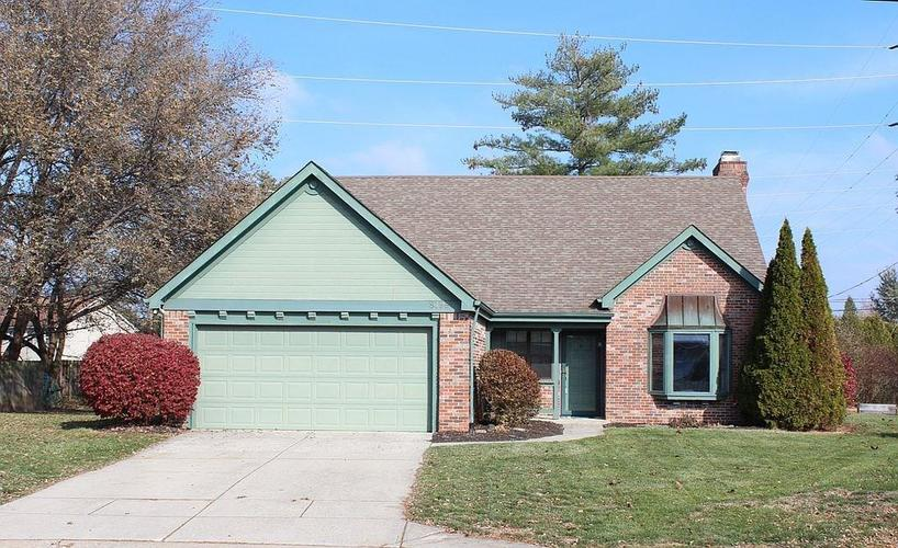 8198 Wade Hill Court Indianapolis IN 46256 | MLS 21681705 | photo 1