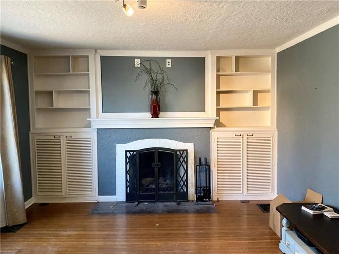 6056 N Central Avenue Indianapolis, IN 46220 | MLS 21681774 | photo 2