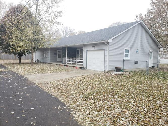 658-678 Young Street Franklin, IN 46131 | MLS 21681783 | photo 1