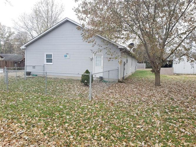 658-678 Young Street Franklin, IN 46131 | MLS 21681783 | photo 2