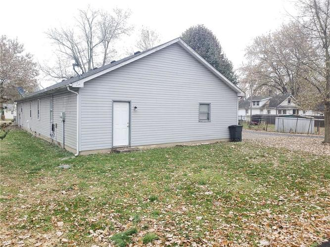 658-678 Young Street Franklin, IN 46131 | MLS 21681783 | photo 4
