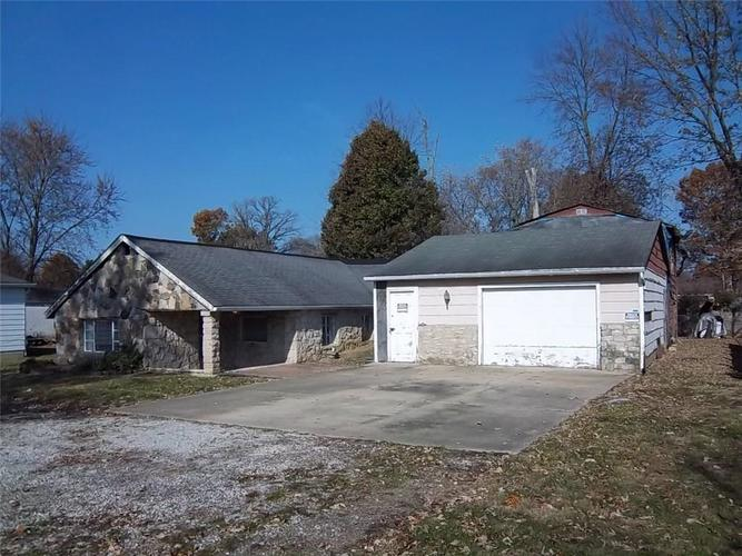 834 E Thompson Road Indianapolis, IN 46227 | MLS 21681819