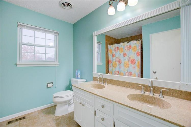 8633 Fox Ridge Lane Indianapolis, IN 46256 | MLS 21681824 | photo 23