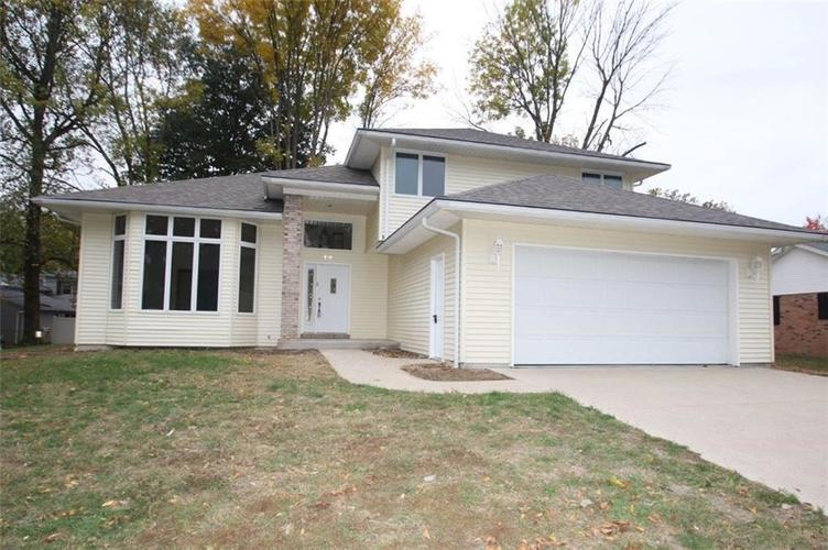 919 Holly Drive Seymour, IN 47274 | MLS 21681827 | photo 1