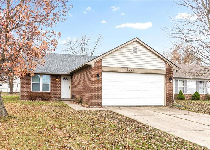9705  ENGLISH OAK Drive Indianapolis, IN 46235 | MLS 21681836