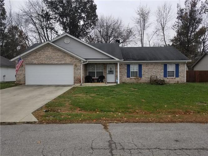 656  E MAIN ST Circle Crothersville, IN 47229 | MLS 21681857