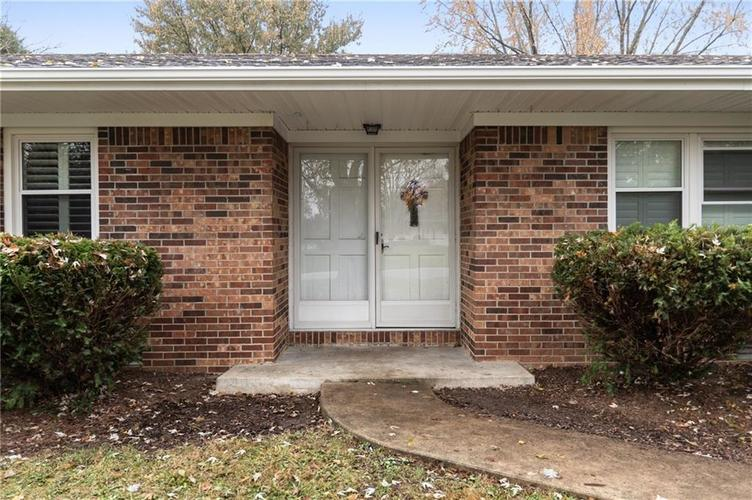 830 Lodge Drive Indianapolis, IN 46231 | MLS 21681868 | photo 3
