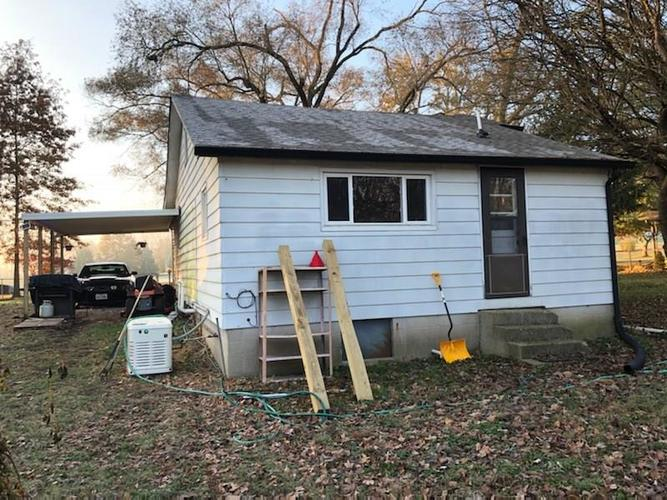 000 Confidential Ave.Indianapolis, IN 46221   MLS 21681871   photo 2
