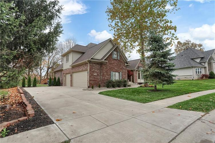 11227 Turfgrass Way Indianapolis, IN 46236 | MLS 21681944 | photo 2