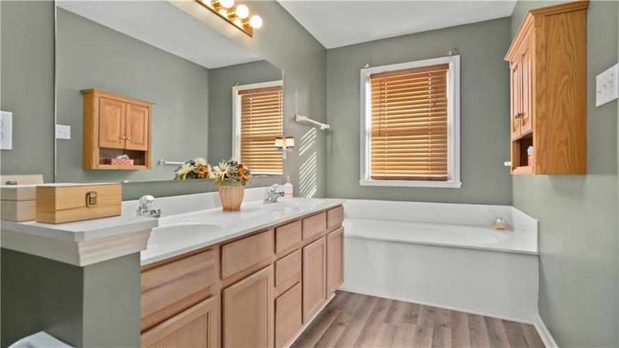 9949 ALEXIA Drive Indianapolis, IN 46236 | MLS 21681945 | photo 13