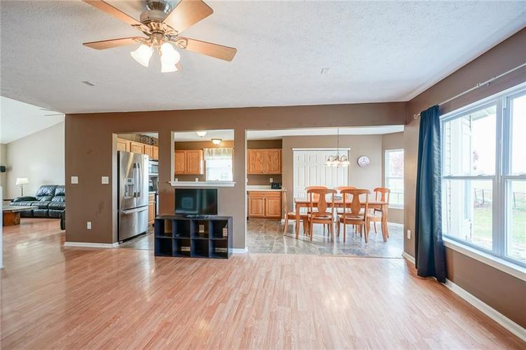 14056 Stonewood Place Fishers, IN 46037 | MLS 21681957 | photo 13