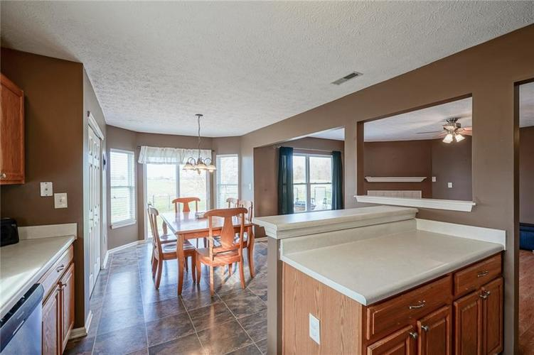 14056 Stonewood Place Fishers, IN 46037 | MLS 21681957 | photo 19