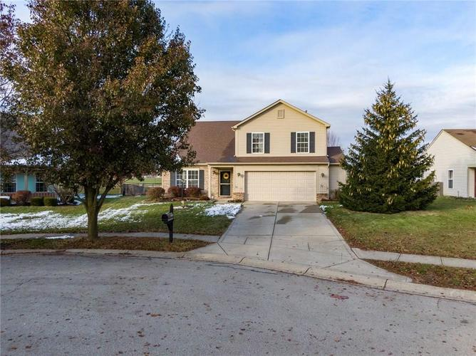 14056 Stonewood Place Fishers, IN 46037 | MLS 21681957 | photo 2