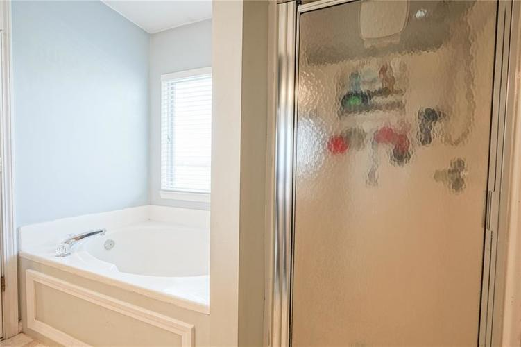14056 Stonewood Place Fishers, IN 46037 | MLS 21681957 | photo 37