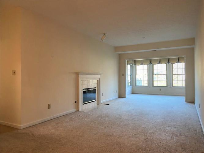 7601 Newport Bay Drive #118 Indianapolis, IN 46240 | MLS 21681973 | photo 5