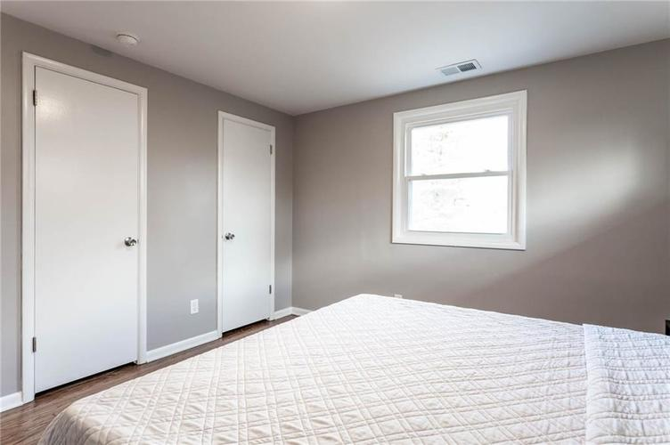 5118 E 69th Street Indianapolis, IN 46220 | MLS 21681985 | photo 14