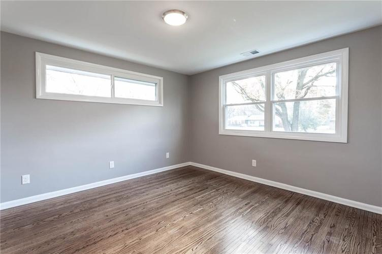 5118 E 69th Street Indianapolis, IN 46220 | MLS 21681985 | photo 15