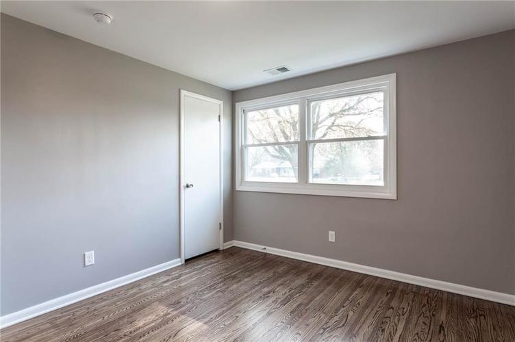 5118 E 69th Street Indianapolis, IN 46220 | MLS 21681985 | photo 18