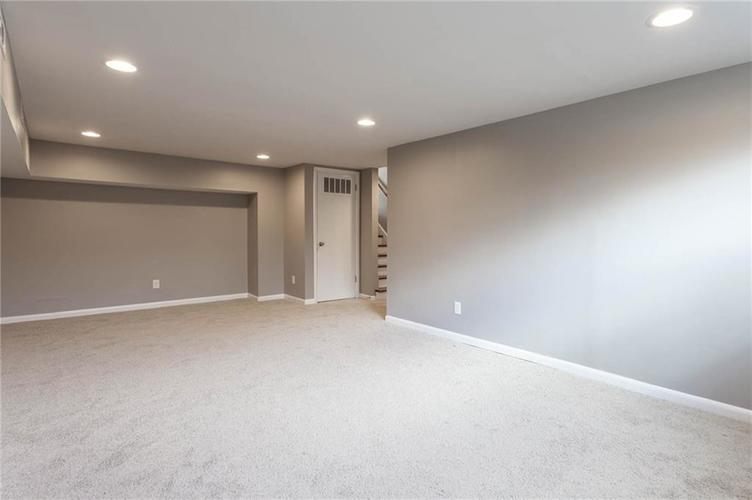 5118 E 69th Street Indianapolis, IN 46220 | MLS 21681985 | photo 21