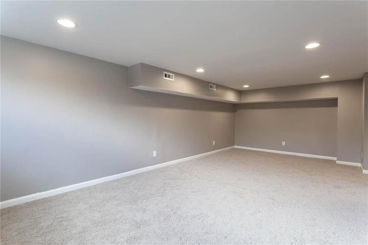 5118 E 69th Street Indianapolis, IN 46220 | MLS 21681985 | photo 22