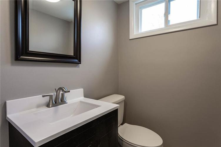 5118 E 69th Street Indianapolis, IN 46220 | MLS 21681985 | photo 24