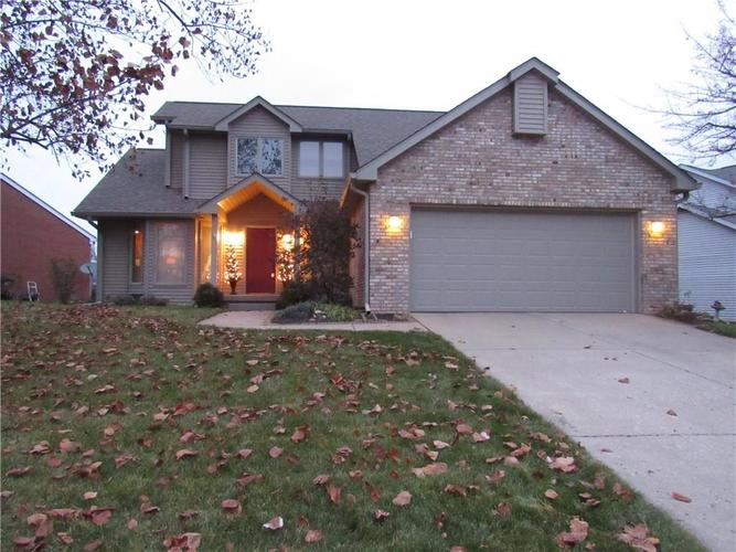 2917 Silver Fox Drive Columbus IN 47203 | MLS 21682013 | photo 1