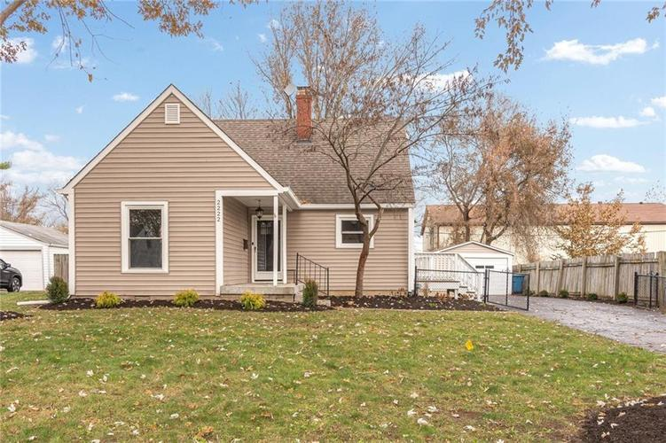 2222 E 70TH Street Indianapolis, IN 46220   MLS 21682016   photo 1