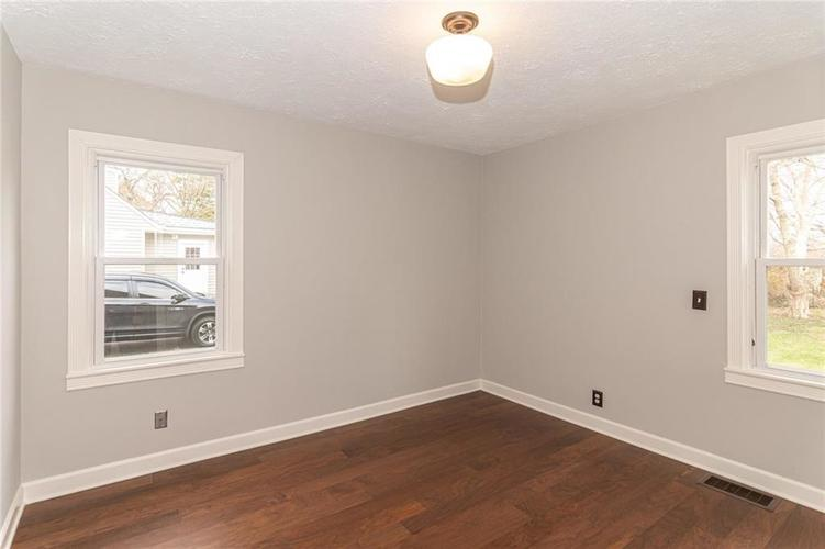2222 E 70TH Street Indianapolis, IN 46220   MLS 21682016   photo 12