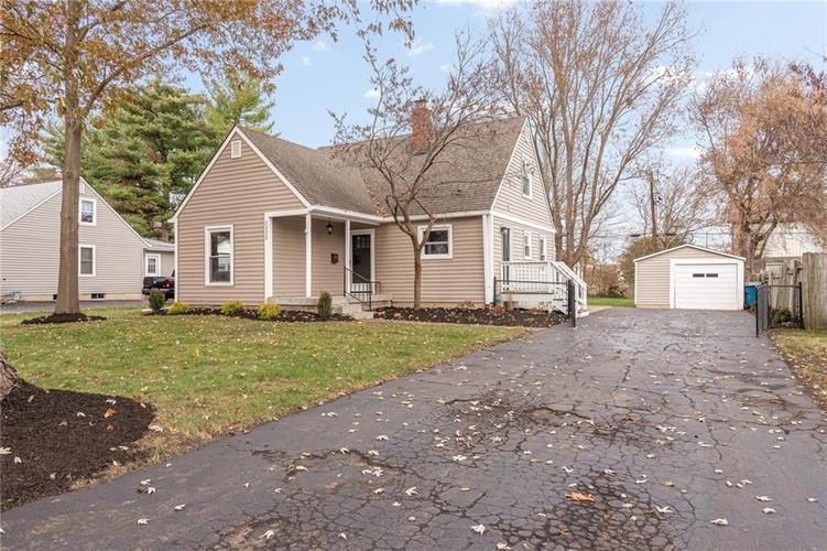 2222 E 70TH Street Indianapolis, IN 46220   MLS 21682016   photo 2