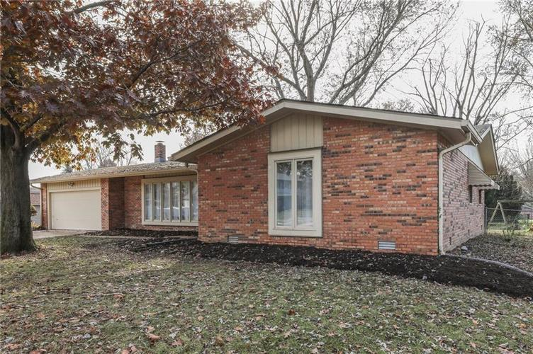 124 Plaza Central Street Greenwood, IN 46143   MLS 21682047   photo 3