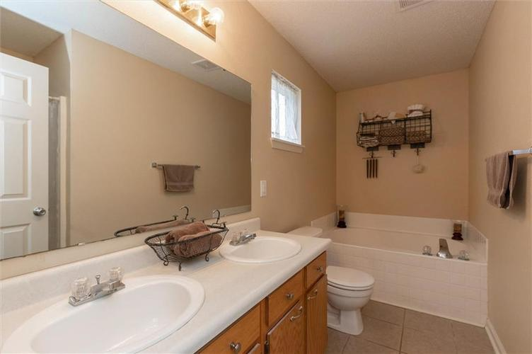 15355 Follow Drive Noblesville, IN 46060 | MLS 21682067 | photo 14