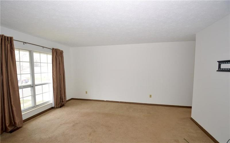 739 Holiday Drive Fortville, IN 46040   MLS 21682105   photo 4