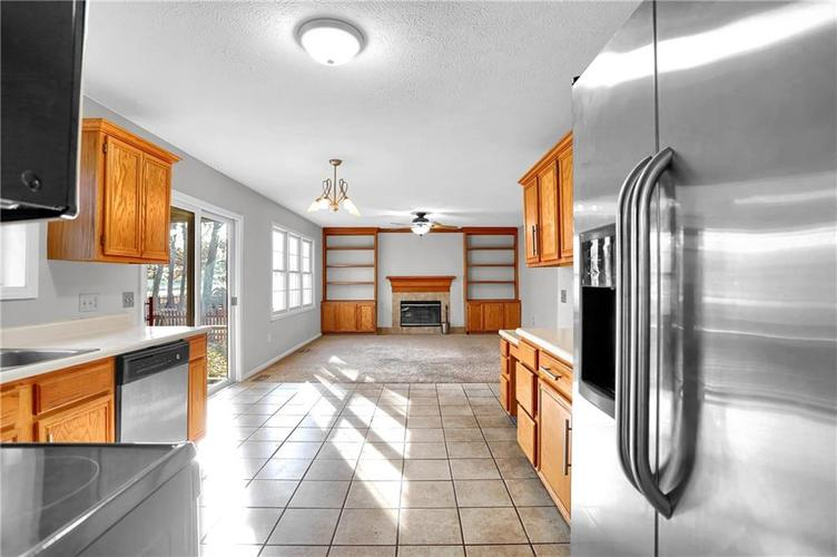 5853 Manning Road Indianapolis, IN 46228 | MLS 21682120 | photo 10