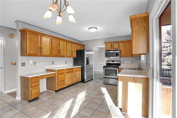 5853 Manning Road Indianapolis, IN 46228 | MLS 21682120 | photo 13