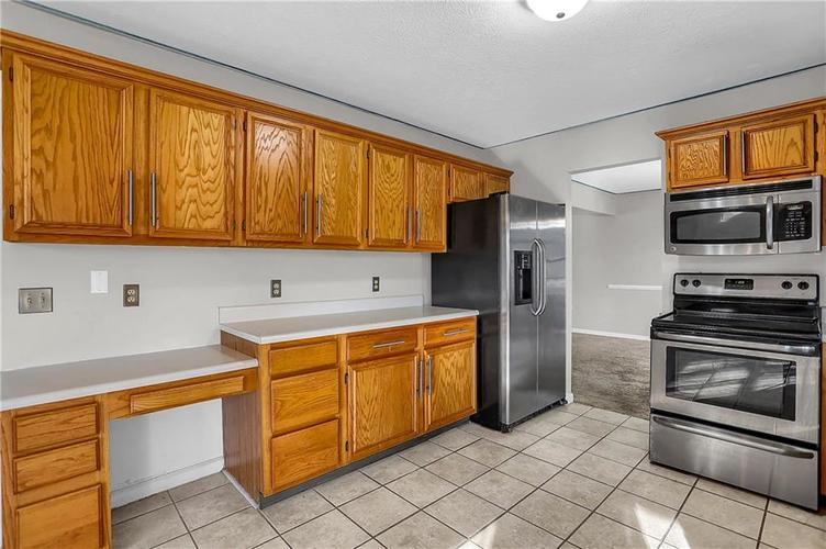 5853 Manning Road Indianapolis, IN 46228 | MLS 21682120 | photo 15