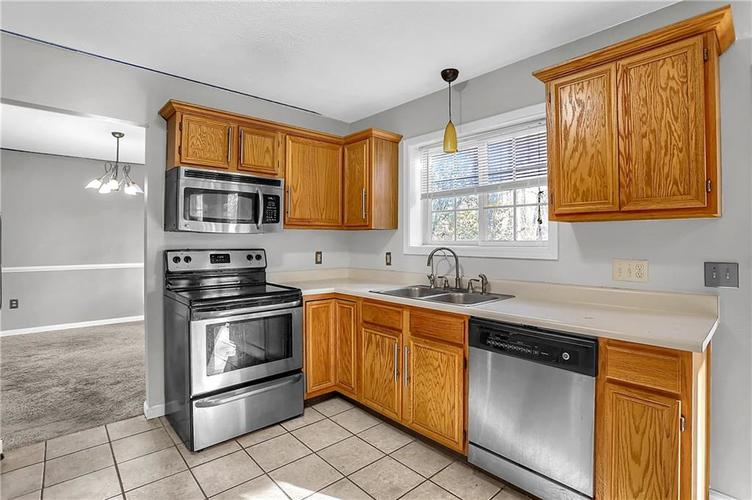 5853 Manning Road Indianapolis, IN 46228 | MLS 21682120 | photo 16