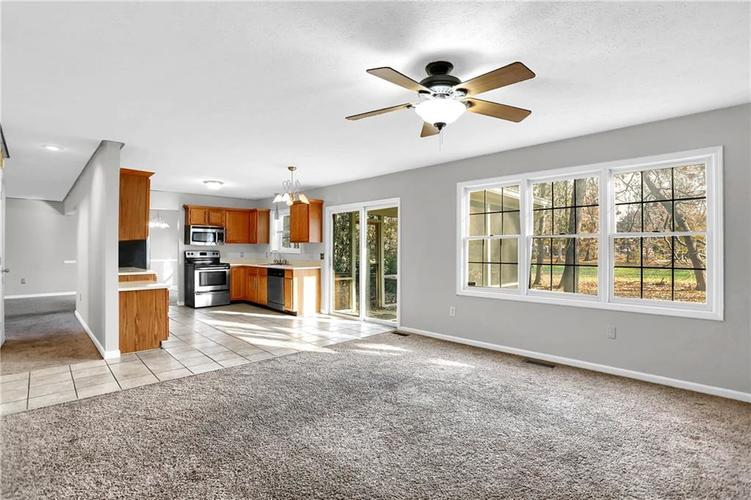 5853 Manning Road Indianapolis, IN 46228 | MLS 21682120 | photo 17