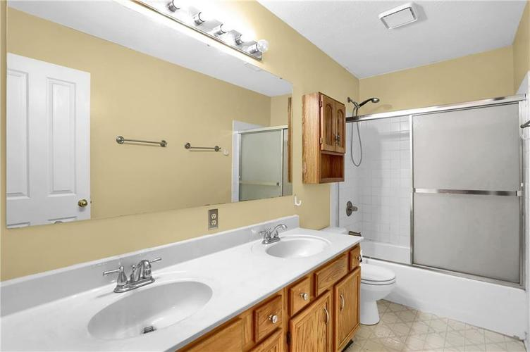 5853 Manning Road Indianapolis, IN 46228 | MLS 21682120 | photo 31