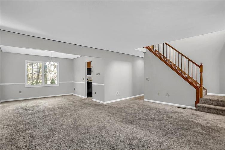 5853 Manning Road Indianapolis, IN 46228 | MLS 21682120 | photo 6